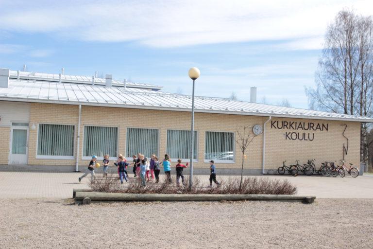 Kurkiauran koulun kuva